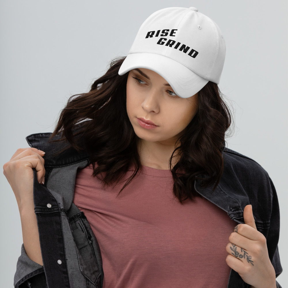 Rise Grind Poker Hat Female Model